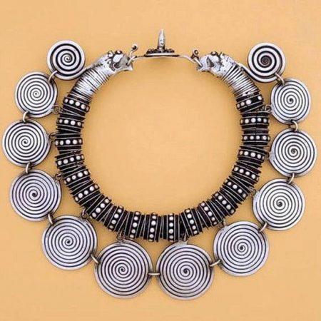 Neck ring – China