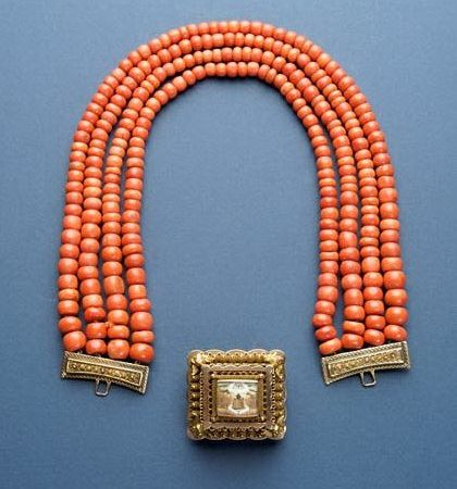 Necklace – Netherlands