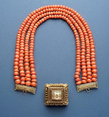 Necklace – Netherlands