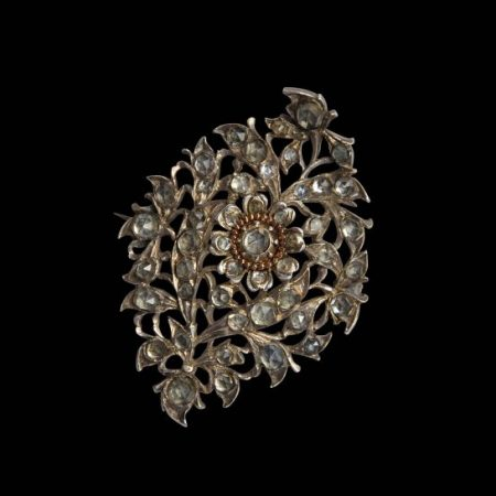 Brooch – Sri Lanka