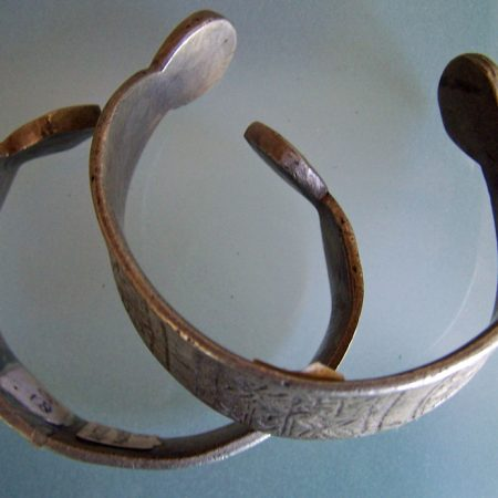 Cuffs – Sahara
