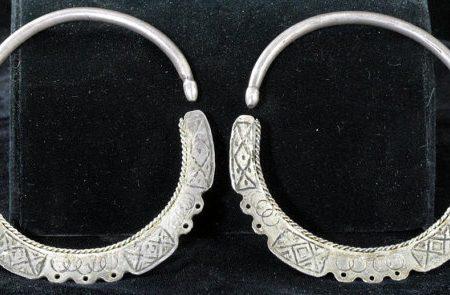 Earrings – Unresolved